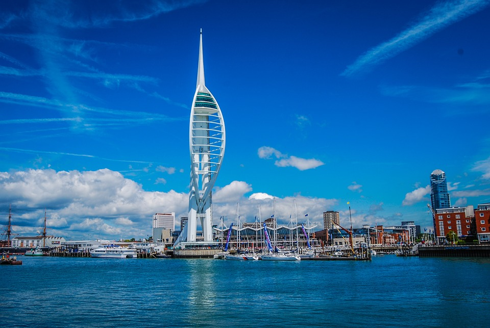 spinnaker-tower-717434_960_720
